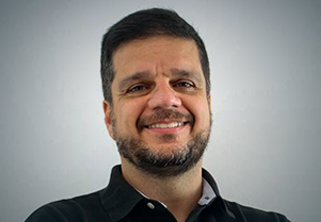Foto do Professor Rodrigo Pimentel