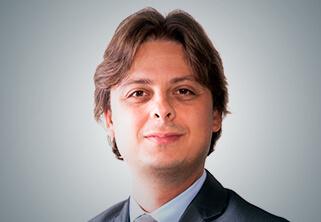 Foto do Professor Claudio Lara